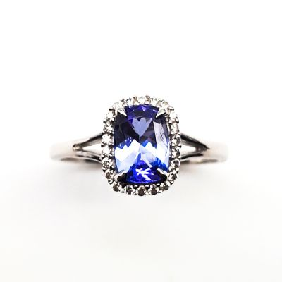 Tanzanite and cubic zirconia ring GWTZR84082
